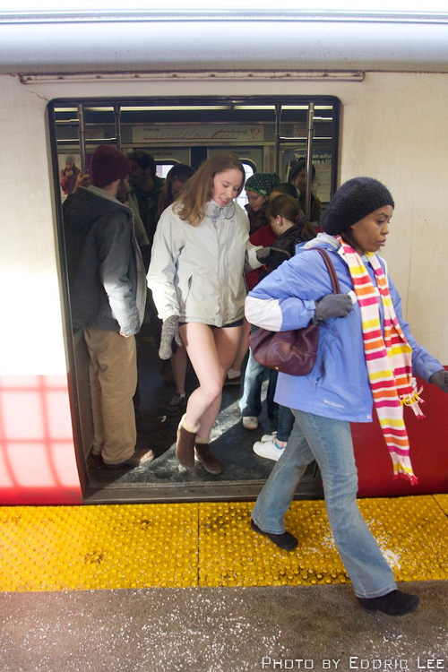 no-pants-exiting-train
